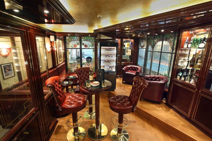 Hotel Alex - Zigarren Lounge